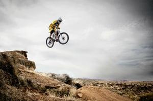 mountain-biking-95032_1280